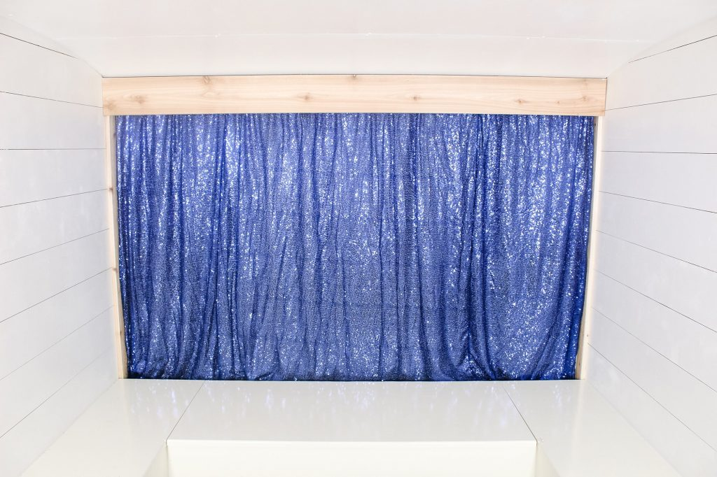 Photo Camper Backdrop - Blue Sequin