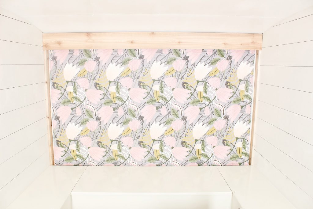 Photo Camper Backdrop - Grey Floral