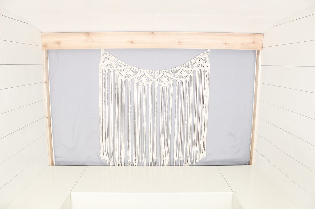 Photo Camper Backdrop - Macrame